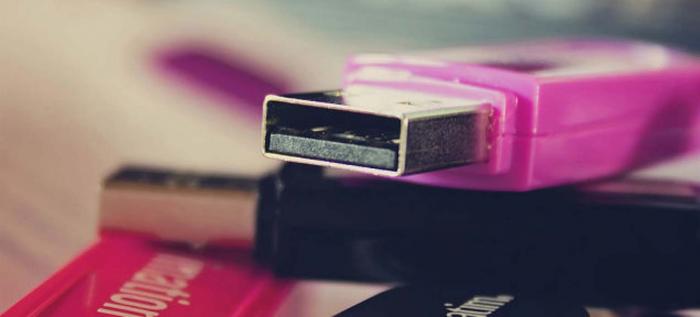 ¿Por qué hay tantas USBs viejas en su cajón?