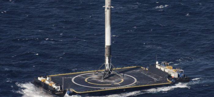 SpaceX hace historia y abre las puertas para la exploración espacial comercial