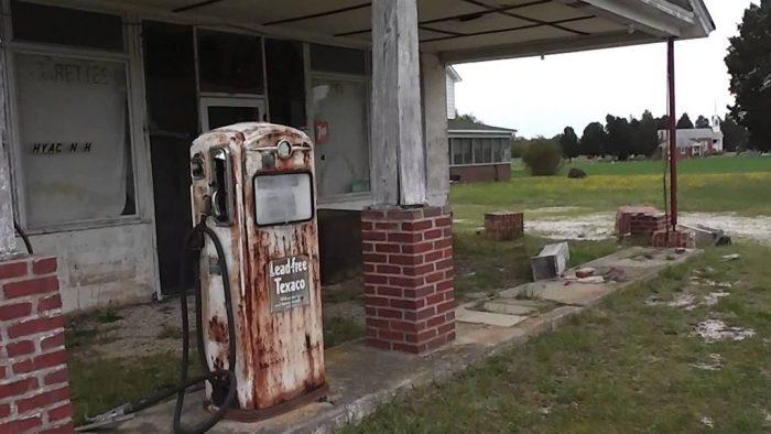 A las estaciones de gasolina les quedan 25 años de vida