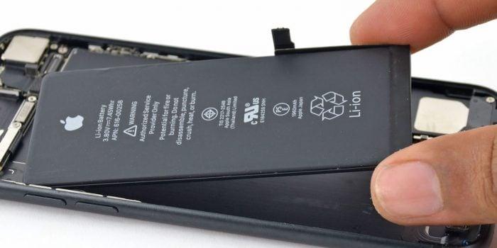 ¿Reemplazó la batería de su iPhone el año pasado? Esto le interesa