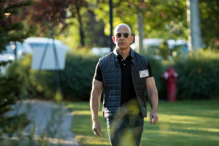 0 y van 2. Amazon llega al Billón de Dólares