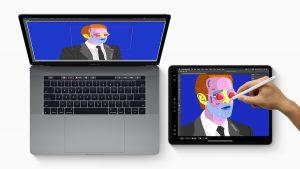 Portatil Mac Pro color gris y una tablet junto a este. Las dos pantallas tienen la ilustración de un hombre con traje.