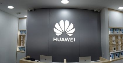Tienda Huawei en el centro comercial Parque de la Colina