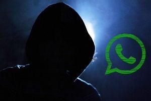 Criminales robando información en WhatsApp