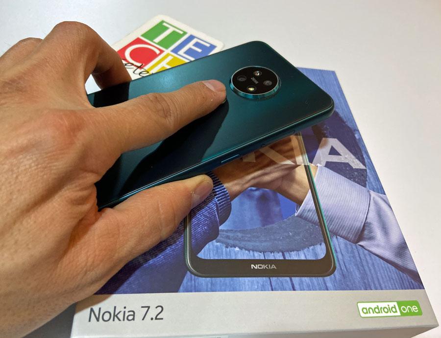 Vista posterior del Nokia 7.2
