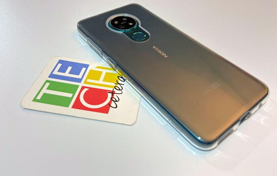 Nokia 7.2 con bumper
