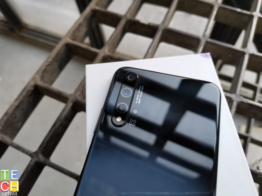 Huawei nova 5T integra 5 cámaras con diferentes aperturas