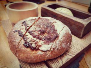 No sólo del hombre vive el pan