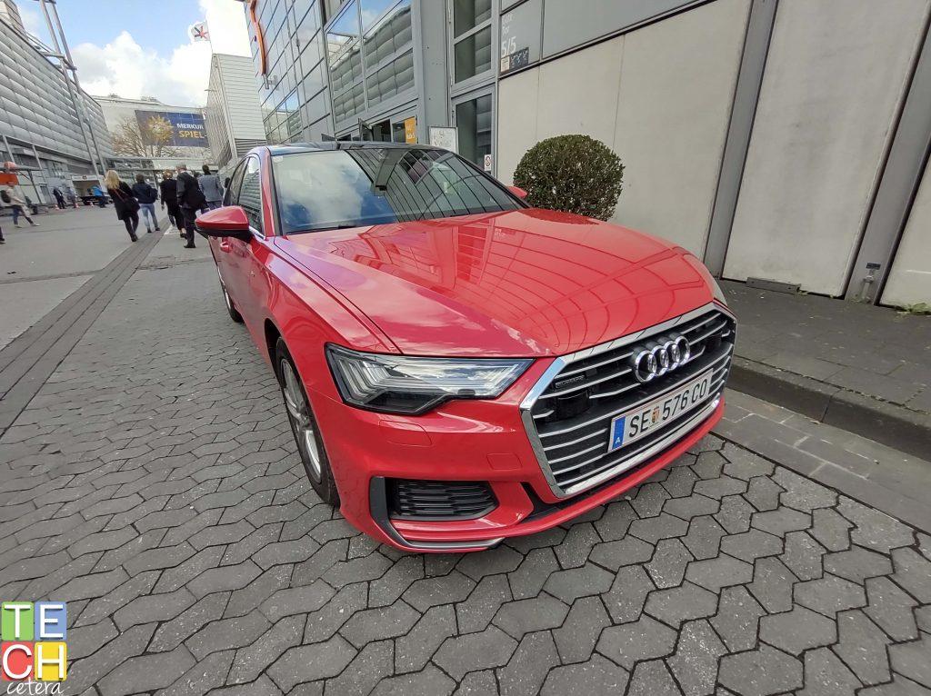 Automóvil rojo capturado con la cámara del One Hyper