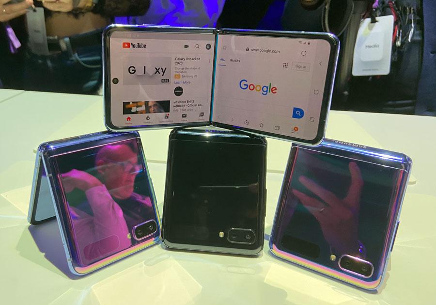 El nuevo Galaxy Z Flip plegable en sus diferentes colores.