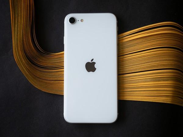 Todo parece indicar que el iPhone SE está cumpliendo con su cometido