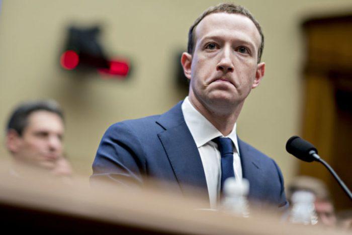 El por qué de la discordia entre Facebook y Apple