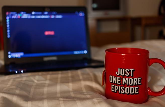 """Netflix masificó el """"binge watching"""", la guerra del streaming nos lo quitará"""