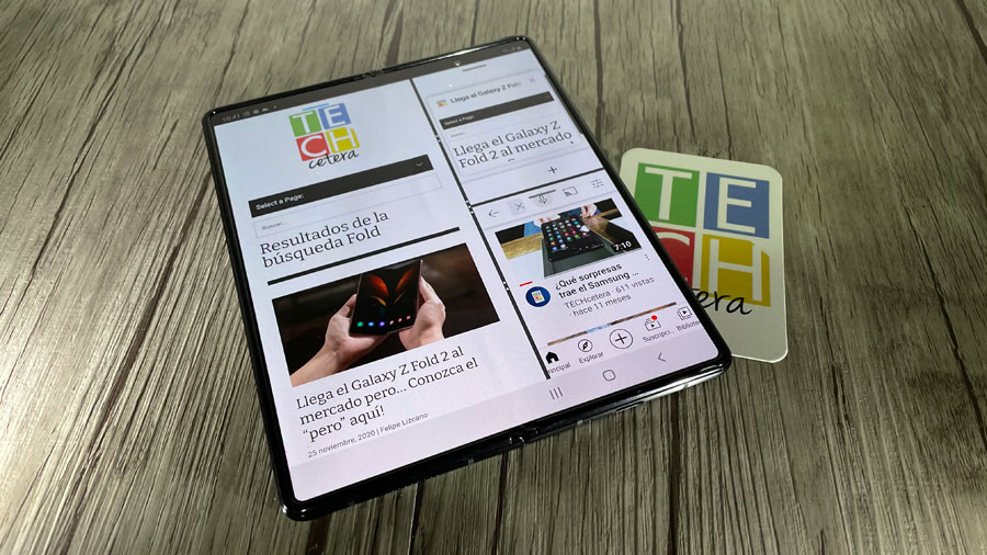 Galaxy Z Fold 2 pantalla dividida en 3