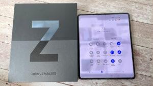 Galaxy Z Fold 3 con caja